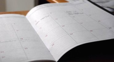 A sample weekly schedule for an active job seeker